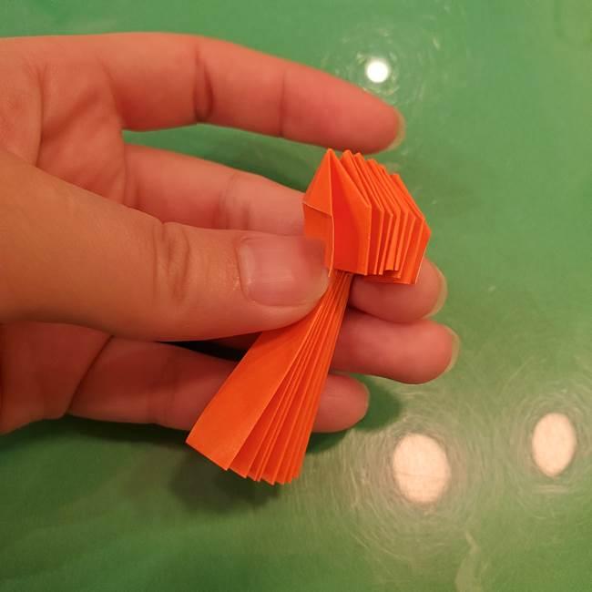 かぼちゃの折り紙 立体で難しいジャックオーランタンの折り方作り方②折る(8)