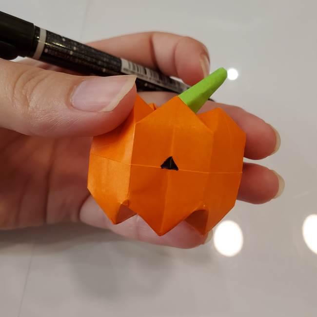 かぼちゃの折り紙 立体で難しいジャックオーランタンの折り方作り方④顔(2)