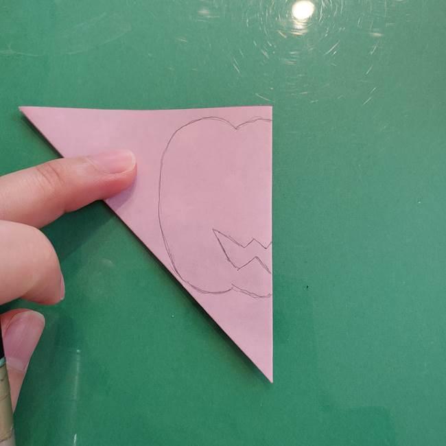 ハロウィンのかぼちゃ 折り紙の切り抜きでつくる折り方切り方②描き方(3)