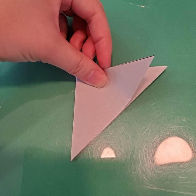 ハロウィンの折り紙 切り絵のコウモリの切り方折り方①折り方(5)