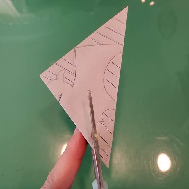 ハロウィンの折り紙 切り絵のコウモリの切り方折り方②切り方(5)
