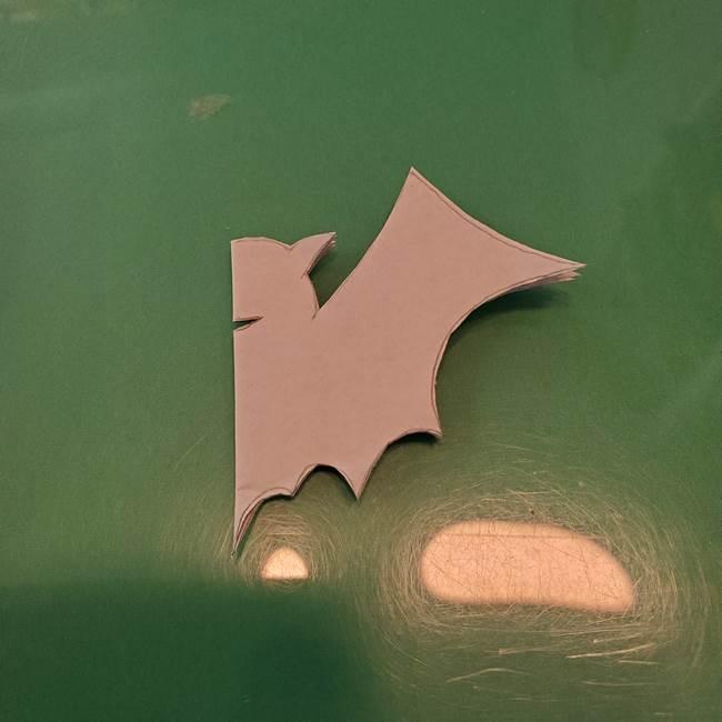 ハロウィンの折り紙 切り絵のコウモリの切り方折り方②切り方(8)