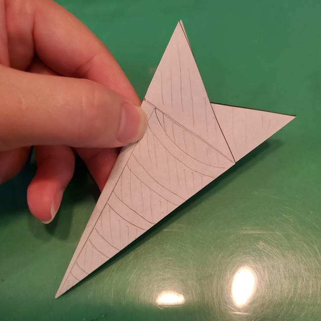 蜘蛛の巣の折り紙 切り絵の切り方折り方②切り方(2)