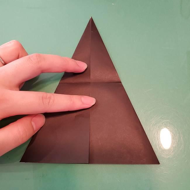魔女の折り紙 幼児でも簡単な折り方作り方①折る(12)
