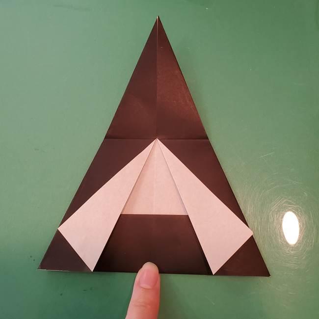 魔女の折り紙 幼児でも簡単な折り方作り方①折る(13)