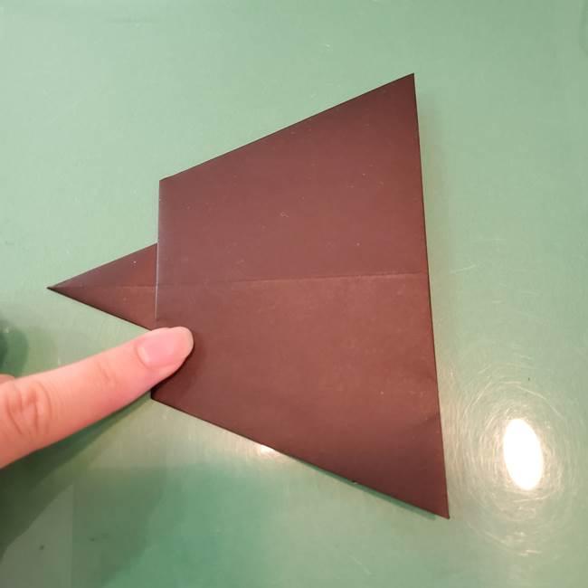 魔女の折り紙 幼児でも簡単な折り方作り方①折る(16)