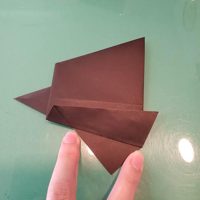 魔女の折り紙 幼児でも簡単な折り方作り方①折る(17)