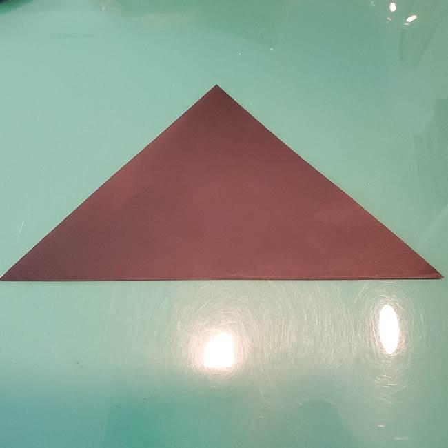 魔女の折り紙 幼児でも簡単な折り方作り方①折る(2)