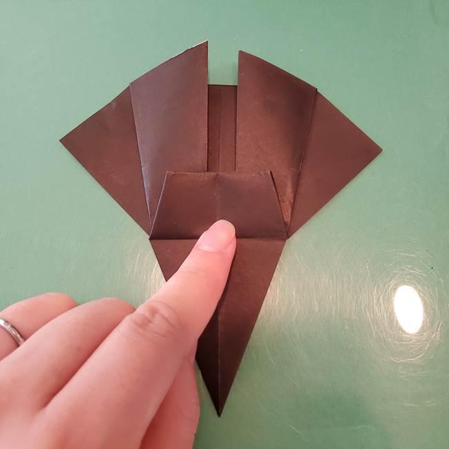魔女の折り紙 幼児でも簡単な折り方作り方①折る(22)