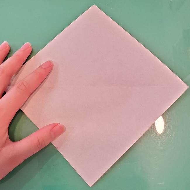 魔女の折り紙 幼児でも簡単な折り方作り方①折る(3)