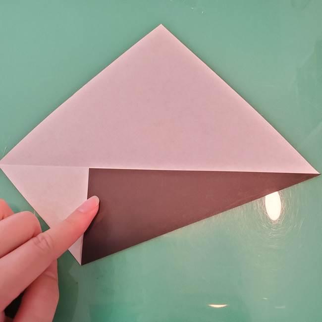 魔女の折り紙 幼児でも簡単な折り方作り方①折る(4)