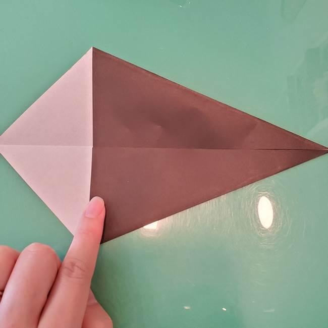 魔女の折り紙 幼児でも簡単な折り方作り方①折る(5)