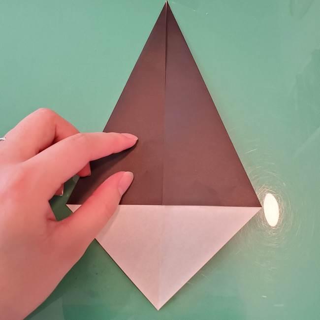 魔女の折り紙 幼児でも簡単な折り方作り方①折る(6)
