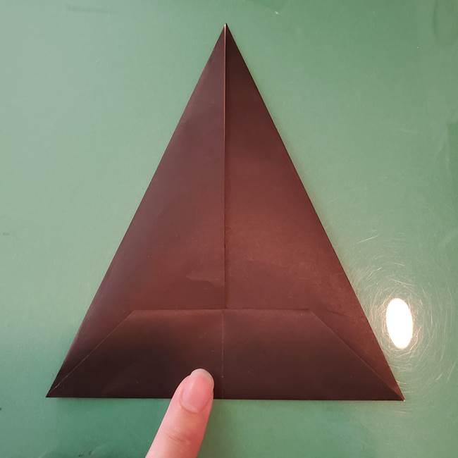 魔女の折り紙 幼児でも簡単な折り方作り方①折る(8)