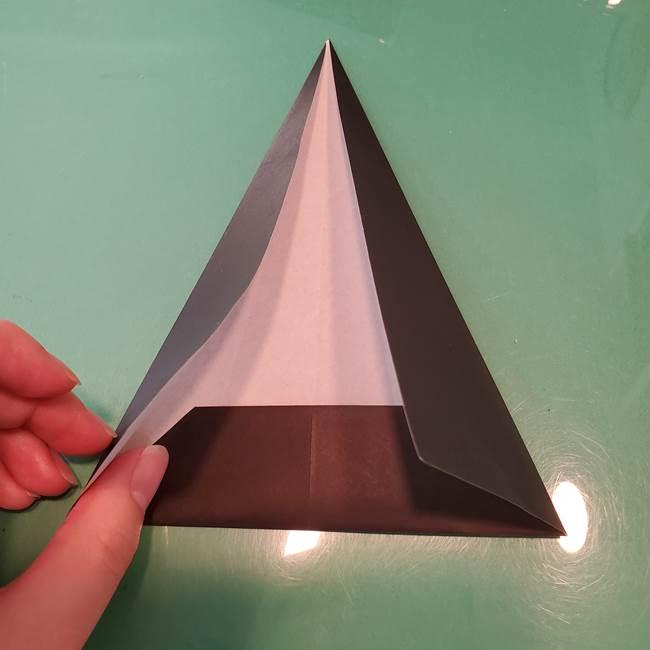 魔女の折り紙 幼児でも簡単な折り方作り方①折る(9)